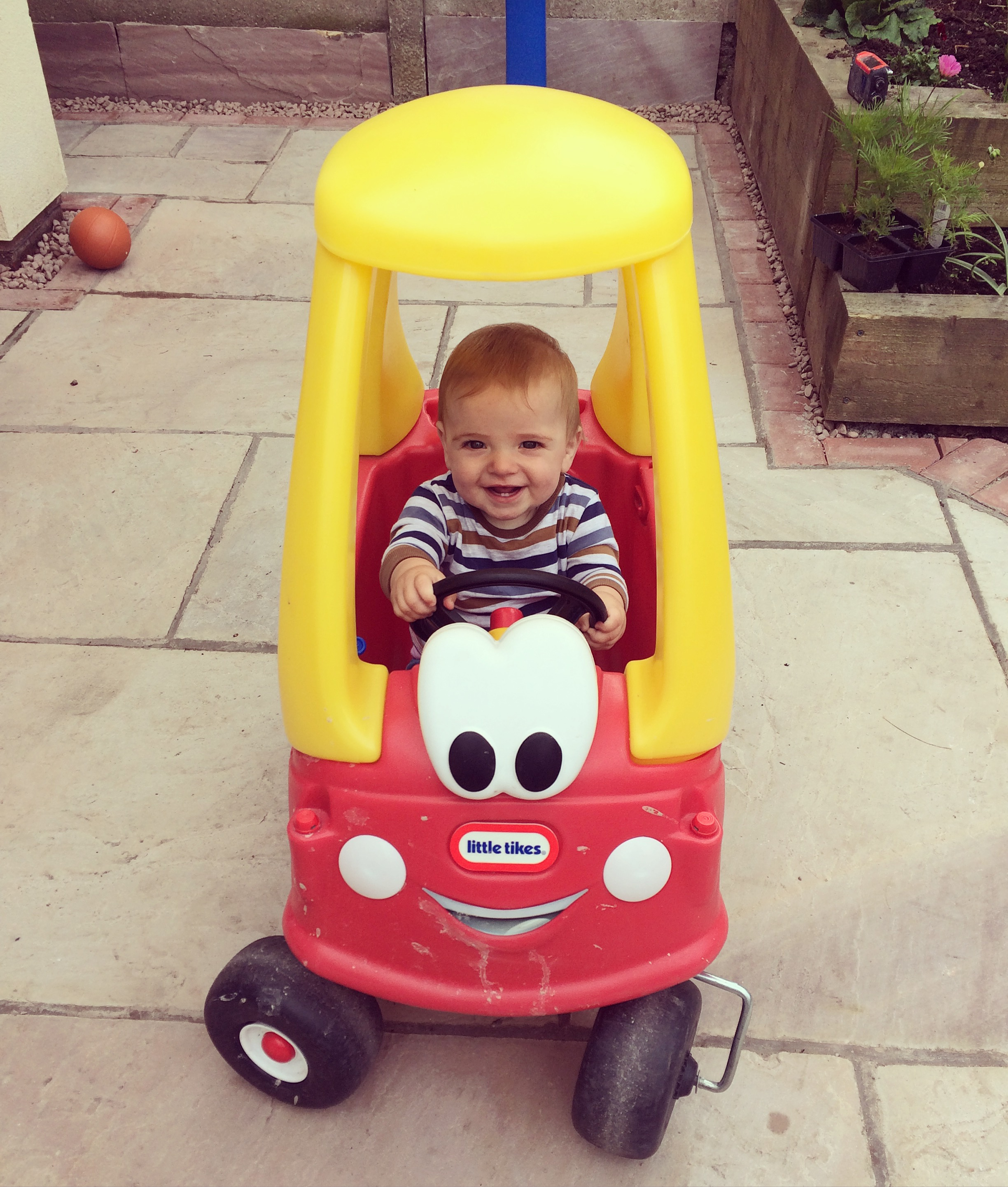 Little Tikes - Cozy Coupe car
