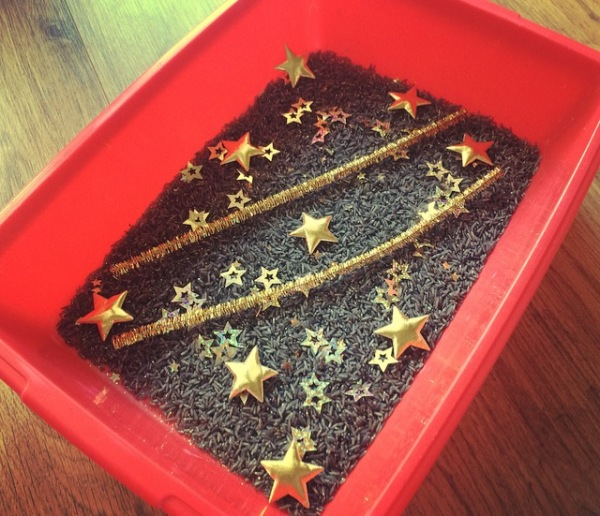 Starry night sensory bin