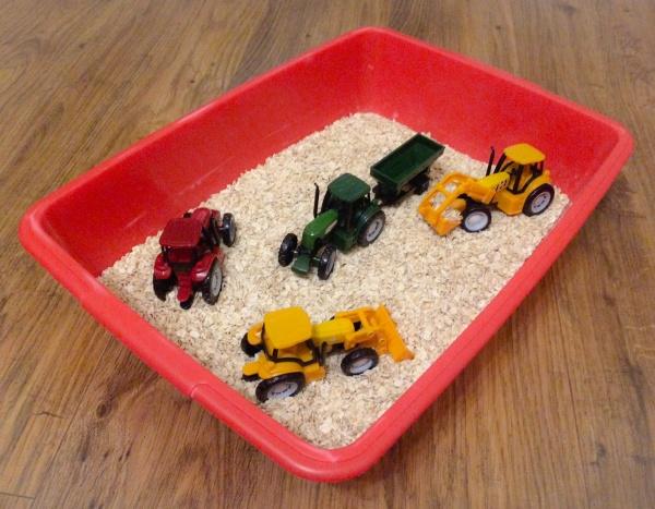 Harvest sensory bin