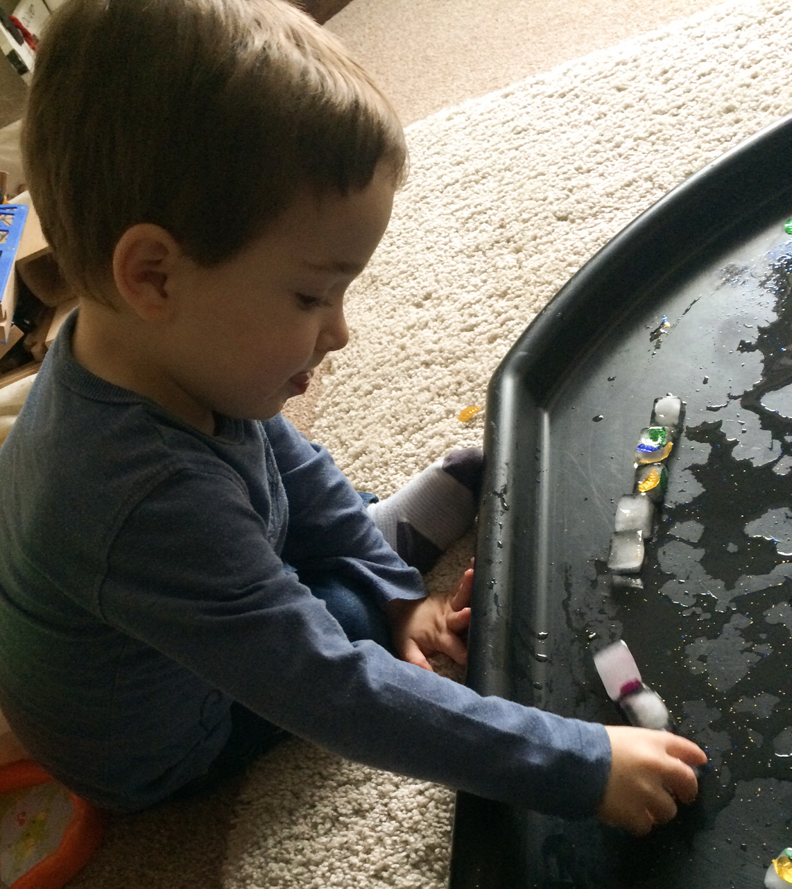 Sensory decorated ice play