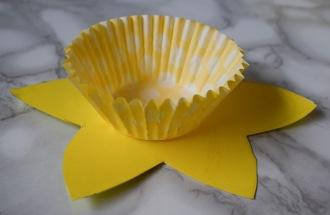 Spring-time daffodil craft